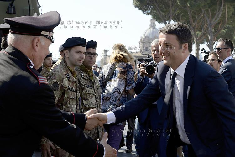 Roma, 2 Giugno 2015<br /> Altare della Patria.<br /> Matteo Renzi saluta militari<br /> Festa della Repubblica, 69&deg; anniversario.<br /> In attesa della parata militare