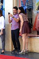 Jay Duplass und Amy Landecker bei der Zeremonie zur Verleihung von einem Stern an Jeffrey Tambor auf dem Hollywood Walk of Fame. Los Angeles, 08.08.2017