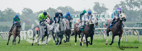 Lotta Irish winning at Delaware Park on 7/8/13