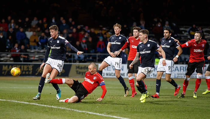 Kenny Miller almost scores
