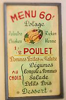 Europe/Belgique/Flandre/Flandre Occidentale/Bruges: Le Musée de la Frite, Friet Museum, Menu  // Belgium, Western Flanders, Bruges: Frietmuseum in Bruges is the first and only museum dedicated to potato fries. Menu, Belgian fries