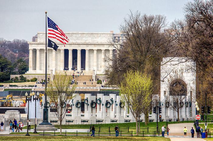 Lincoln Memorial WWII Memorial Washington DC