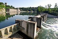 """Trezzo sull'Adda (Milano), centrale idroelettrica ENEL """"Taccani"""" sul fiume Adda --- Trezzo sull'Adda (Milan), ENEL hydroelectric plant """"Taccani"""" on Adda River"""