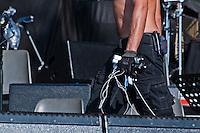 Concertone della Notte della Taranta 2011- Allestimento del palcoscenico - La Notte della Taranta è un festival di musica popolare salentina che tramanda la pizzica oltre i confini regionali.  Giunto ormai alla quattordicesima edizione anche quest'anno vede Ludovico Einaudi quale Maestro Concertatore dopo la presentazione del 2010. Dopo una serie di concerti tenuti nel mese di agosto nei paesi della Grecia Salentina il concerto conclusivo tenuto a Melpignano raccoglie ogni anno migliaia di spettatori oltre alla presenza di ospiti prestigiosi.