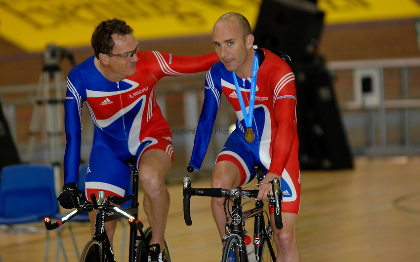 Photo: Richard Lane..VISA Paralympic World Cup 2007. Track Cycling. 11/05/2007. .Mark Bristow and Gary Williams of Great Britain.
