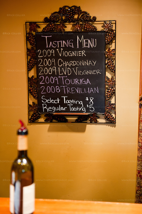 A hand-lettered sign announces the tasting menu at Keswick Vineyards.