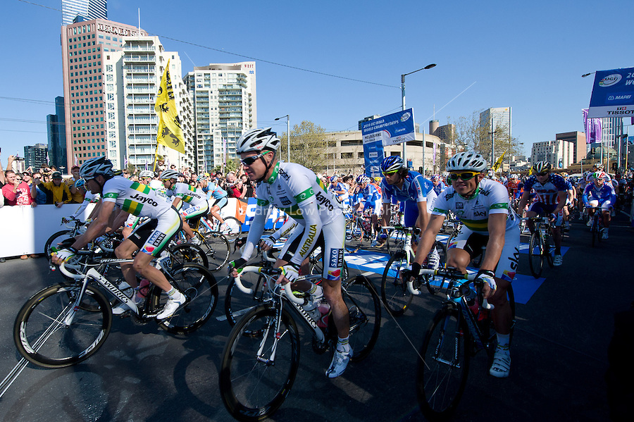 MELBOURNE, 3 OCTOBER - The Australian team lead the peloton away at the start of the 2010 UCI Road World Championships Elite Men Road Race. The race starts in the city of Melbourne and finishes in Geelong, Victoria, Australia. (Photo Sydney Low / syd-low.com)
