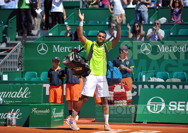 Jo-Wilfried Tsonga waves to the crowd after they sang Happy Birthday to him on his 29th Birthday after  his victory over Fabio Fognini - Monte Carlo Rolex Masters Tennis - 3rd Round - 17/04/2014