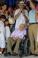 RIO DE JANEIRO, RJ, 12 DE FEVEREIRO DE 2012 - CARNAVAL RIO 2012 - O Prefeito Eduardo Paes, o presidente do Comitê Organizador dos Jogos Olímpicos, Carlos Arthur Nuzman, e o arquiteto Oscar Niemeyer, na abertura oficial do novo Sambódromo do Rio, que também será utilizado nos Jogos Olímpicos, e que após reformas recebeu o traçado original projetado por Oscar Niemeyer há quase 30 anos. <br /> FOTO GLAICON EMRICH - NEWS FREEO