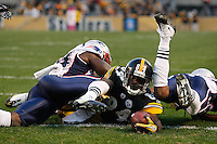 PITTSBURGH, PA - OCTOBER 30:  Antonio Brown #84 of the Pittsburgh Steelers dives into the endzone to score a touchdown against the New England Patriots during the game on October 30, 2011 at Heinz Field in Pittsburgh, Pennsylvania.  (Photo by Jared Wickerham/Getty Images)