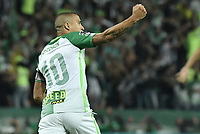 MEDELLÍN -COLOMBIA - 18-06-2017: Macnelly Torres de Atlético Nacional celebra después de anotar un gol a Deportivo Cali durante partido de vuelta por la final de la Liga Águila I 2017 jugado en el estadio Atanasio Girardot de la ciudad de Medellín. / Macnelly Torres payer of Atletico Nacional celebrates after scoring a goal to Deportivo Cali during second leg match for the final of the Aguila League I 2017 at Atanasio Girardot stadium in Medellin city. Photo: VizzorImage/ Gabriel Aponte / Staff