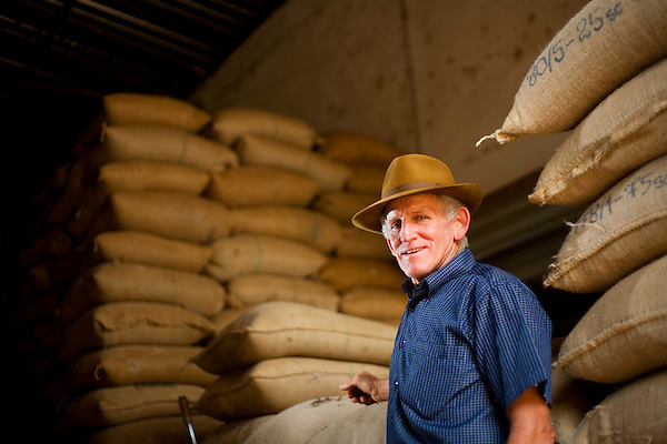 Poco Fundo_MG, Brasil...Producao de cafe em Poco Fundo, Minas Gerais...Cofee production in Poco Fundo, Minas Gerais...Foto: JOAO MARCOS ROSA / NITRO