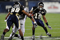 17 October 2009:  FIU running back Kendall Berry (19) carries the ball in the second quarter of the Troy 42-33 victory over FIU at FIU Stadium in Miami, Florida.