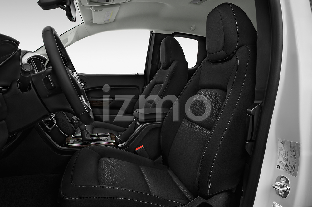 Front seat view of a 2019 GMC Canyon 4WD SLE Extended Cab 5 Door Pick Up front seat car photos