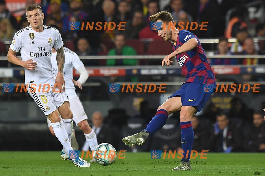 Ivan Rakitic, Toni Kroos<br /> 18/12/2019 <br /> Barcelona - Real Madrid<br /> Calcio La Liga 2019/2020 <br /> Photo Paco Largo Panoramic/insidefoto <br /> ITALY ONLY