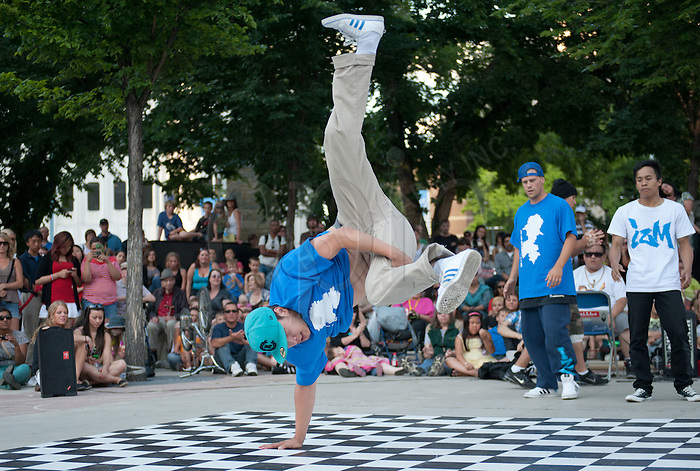 Edmonton International Street Performers Festival. Photo by Marc Chalifoux for EPIC Photography Inc