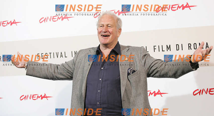 John Irvin during the photocall of the film &quot;The Garden of Eden&quot; at the third edition of Festa Internazionale del Cinema di Roma, Auditorium Parco della Musica, October 26, 2008. <br /> John Irvin durante il photocall del film &quot;The Garden of Eden&quot; alla terza edizione della Festa Internazionale del Cinema di Roma. <br /> Roma 26/10/2008 Auditorium Parco della Musica. <br /> Photo Samantha Zucchi Insidefoto