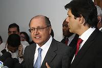 SAO PAULO, SP,  19 DE JUNHO DE 2013 -  REDUÇÃO DE TARIFAS, o Governador Geraldo Alckimim e o Prefeito Fernando Haddad, anunciaram a redução das tarifas dos transportes coletivos, a partir de segunda-feira(24). FOTO: MAURICIO CAMARGO / BRAZIL PHOTO PRESS.
