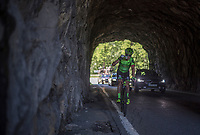 Simon Clarke (AUS/Cannondale-Drapac) dropping back from the breakaway to wait for his teammate Talansky who has jumped from the peloton and is on his way to the front<br /> <br /> stage 7: Aoste > Alpe d'Huez (168km)<br /> 69th Critérium du Dauphiné 2017