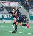 AMSTELVEEN - Noor de Baat (Adam) haalt uit   tijdens de hoofdklasse hockeywedstrijd dames,  Amsterdam-Den Bosch (1-1).    COPYRIGHT KOEN SUYK