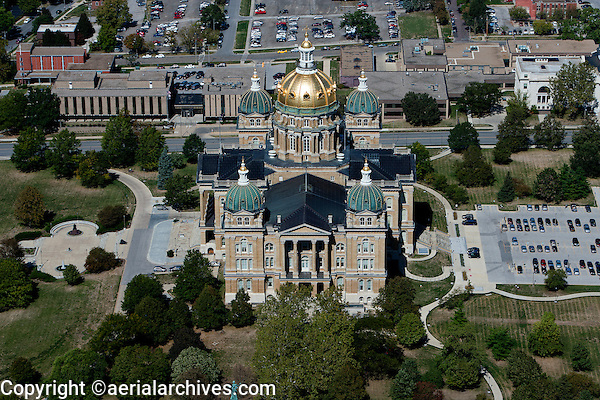 aerial photograph Iowa State Capitol, Des Moines, Iowa