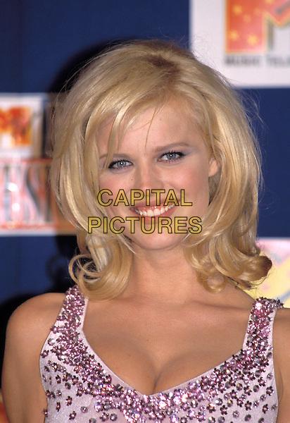 EVA HERZIGOVA.Ref: 1769.www.capitalpictures.com.sales@capitalpictures.com.©Capital Pictures.gummy smile