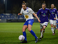 20180126 - OOSTAKKER , BELGIUM : Anderlecht's Elke Van Gorp (r) pictured chasing Gent's Chloe Vande Velde (left) during the quarter final of Belgian cup 2018 , a womensoccer game between KAA Gent Ladies and RSC Anderlecht , at the PGB stadion in Oostakker , friday 27 th January 2018 . PHOTO SPORTPIX.BE | DAVID CATRY