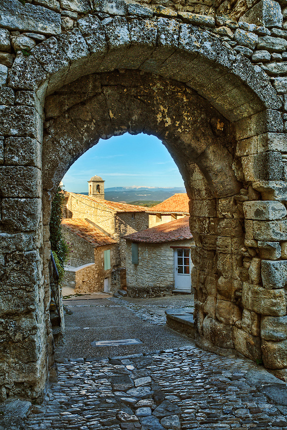 Archway in the Luberon hill town of Lacoste, in Provence, France.