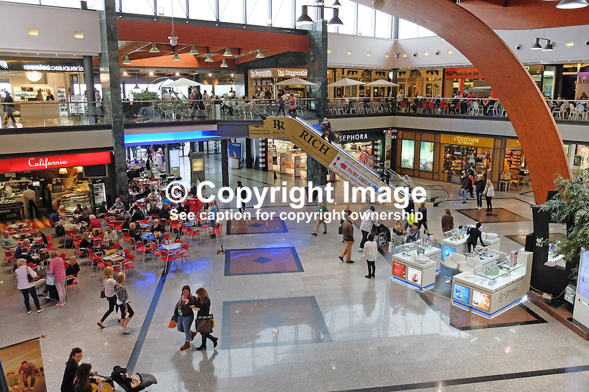 La Ca&ntilde;ada, shopping centre, Marbella, Spain, March, 2015, 201503160632<br />