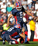 21 October 2007: Buffalo Bills kicker Rian Lindell (9) kicks a field goal against the Baltimore Ravens at Ralph Wilson Stadium in Orchard Park, NY. The Bills defeated the Ravens 19-14 in front of 70,727 fans marking their second win of the 2007 season...Mandatory Photo Credit: Ed Wolfstein Photo