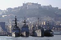 - USA military ships of sixth  fleet to the anchor in Naples harbor....- navi militari americane della Sesta Flotta all'ancora nel porto di Napoli..
