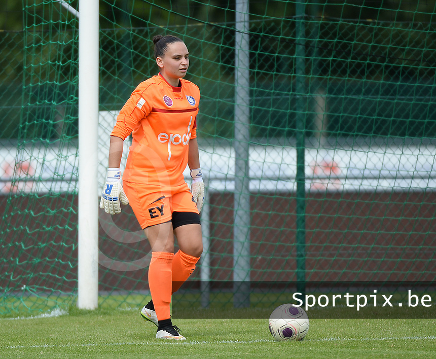 20150801 - WESTKAPELLE , BELGIUM : Gent's goalkeeper Nicky Evrard pictured during a friendly soccer match with the women team of AA Gent Ladies , during the preparation for the 2015-2016 SUPERLEAGUE season, Saturday 1 August 2015 . PHOTO DAVID CATRY