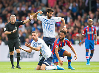 Everton Gylfi Sigurdsson and Andre Gomes and Crystal Palace Andros Townsend during the Premier League match between Crystal Palace and Everton at Selhurst Park, London, England on 10 August 2019. Photo by Andrew Aleksiejczuk / PRiME Media Images.