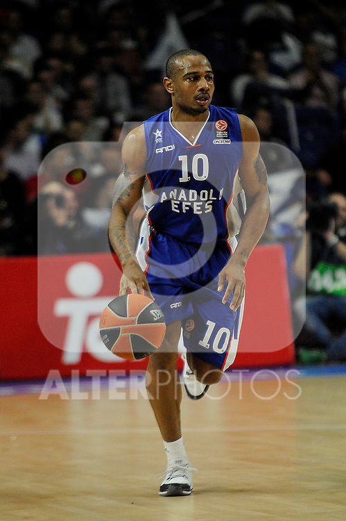 Anadolu Efes´s Dontaye Draper during 2014-15 Euroleague Basketball Playoffs match between Real Madrid and Anadolu Efes at Palacio de los Deportes stadium in Madrid, Spain. April 15, 2015. (ALTERPHOTOS/Luis Fernandez)