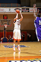SAN ANTONIO, TX - JANUARY 17, 2008: The University of Central Arkansas Bears vs. The University of Texas at San Antonio Roadrunners Men's Basketball at the UTSA Convocation Center. (Photo by Jeff Huehn)