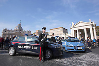 Carabinieri e Polizia davanti Piazza San Pietro in occasione dell'Angelus di Papa Francesco, Citta' del Vaticano, 15 novembre 2015.<br /> Carabinieri and Police outside of St. Peter's Square on the occasion of Pope Francis' Angelus prayer, at the Vatican, 15 November 2015.<br /> UPDATE IMAGES PRESS/Riccardo De Luca<br /> <br /> STRICTLY ONLY FOR EDITORIAL USE