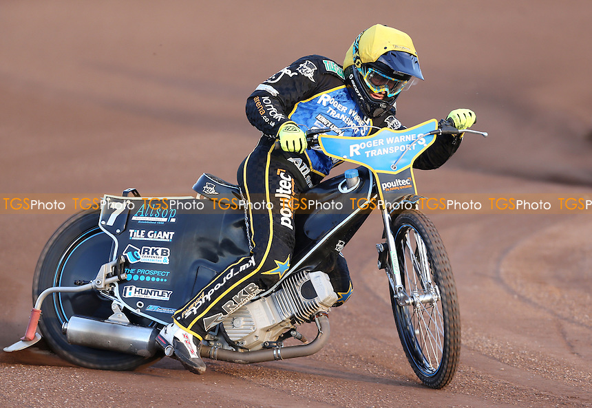 Lewis Kerr of King's Lynn Stars - Lakeside Hammers vs King's Lynn Stars, Elite League Speedway at the Arena Essex Raceway, Pufleet - 19/05/14 - MANDATORY CREDIT: Rob Newell/TGSPHOTO - Self billing applies where appropriate - 0845 094 6026 - contact@tgsphoto.co.uk - NO UNPAID USE