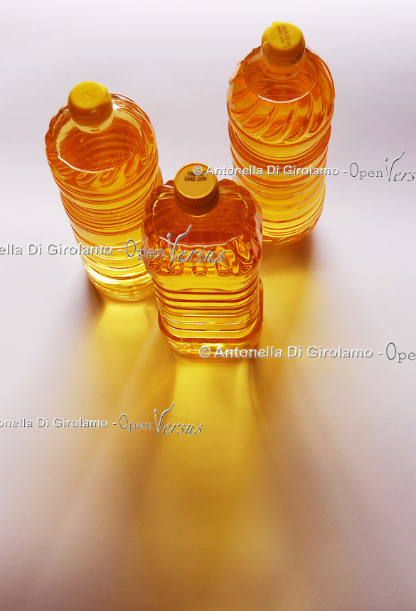 Olio di semi. Seed oil.  .
