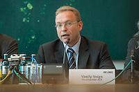 """Abgeordnete der Linkspartei im Deutschen Bundestag luden den ukrainischen Politiker Vasily Volga vom neugegruendeten Zusammenschluss linker Organisationen und Parteien in der """"Allianz Linker Kraefte"""" (ALK) zu einem Fachgespraech ueber die Situation in der Ukraine ein. Vasily Volga, Vorsitzender der ALK, beschrieb die weitreichenden Folgen der Privatisierungen und steigende Armut in seinem Land. Der Zusammenschluss sucht die Kooperation mit westeuropaeischen Linken, tritt fuer einen neutralen Status der Ukraine ein und fordert ein Sofortprogramm gegen die zunehmende Armut in der Ukraine. Die ALK ist in der Ukraine seit ihrer Gruendung im Fruehjahr 2016 Angriffen ausgesetzt. Vasily Volga, ehemaliger Abgeordneter der Partei """"Werchowna Rada"""", wurde bei einem dieser Angriffe selbst verletzt.<br /> 24.5.2016, Berlin<br /> Copyright: Christian-Ditsch.de<br /> [Inhaltsveraendernde Manipulation des Fotos nur nach ausdruecklicher Genehmigung des Fotografen. Vereinbarungen ueber Abtretung von Persoenlichkeitsrechten/Model Release der abgebildeten Person/Personen liegen nicht vor. NO MODEL RELEASE! Nur fuer Redaktionelle Zwecke. Don't publish without copyright Christian-Ditsch.de, Veroeffentlichung nur mit Fotografennennung, sowie gegen Honorar, MwSt. und Beleg. Konto: I N G - D i B a, IBAN DE58500105175400192269, BIC INGDDEFFXXX, Kontakt: post@christian-ditsch.de<br /> Bei der Bearbeitung der Dateiinformationen darf die Urheberkennzeichnung in den EXIF- und  IPTC-Daten nicht entfernt werden, diese sind in digitalen Medien nach §95c UrhG rechtlich geschuetzt. Der Urhebervermerk wird gemaess §13 UrhG verlangt.]"""