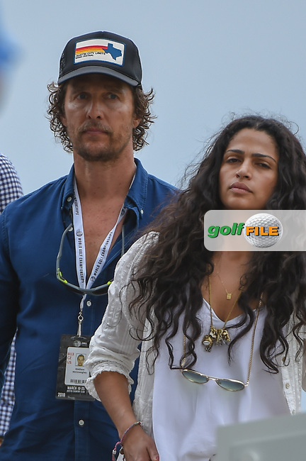 Matthew Mcconaughey watches Kevin Kisner (USA) and Bubba Watson (USA) tee off on 3 during day 5 of the World Golf Championships, Dell Match Play, Austin Country Club, Austin, Texas. 3/25/2018.<br /> Picture: Golffile | Ken Murray<br /> <br /> <br /> All photo usage must carry mandatory copyright credit (© Golffile | Ken Murray)