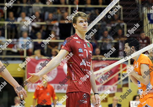 2014-10-29 / Volleybal / seizoen 2014-2015 / Topvolley Antwerpen - Asse-Lennik / Tom Van Walle<br /><br />Foto: mpics.be