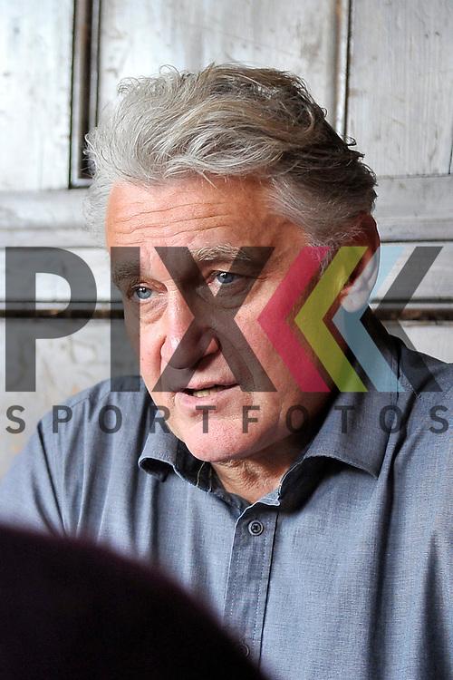 Mannheim 30.11.16 Interview Rainhard Fendrich mit Redakteurin Angela Boll im Cafe Flo.<br /> <br /> Foto &copy; Ruffler For editorial use only. (Bild ist honorarpflichtig - No Model Release!)