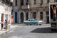 Life in the neighborhood, Centro Habana