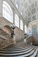 Italy, Campania, Naples: Marble staircase of the Palazzo Reale (Royal Palace), built in 1602 | Italien, Kampanien, Neapel: Marmortreppen im Palazzo Reale, erbaut 1602