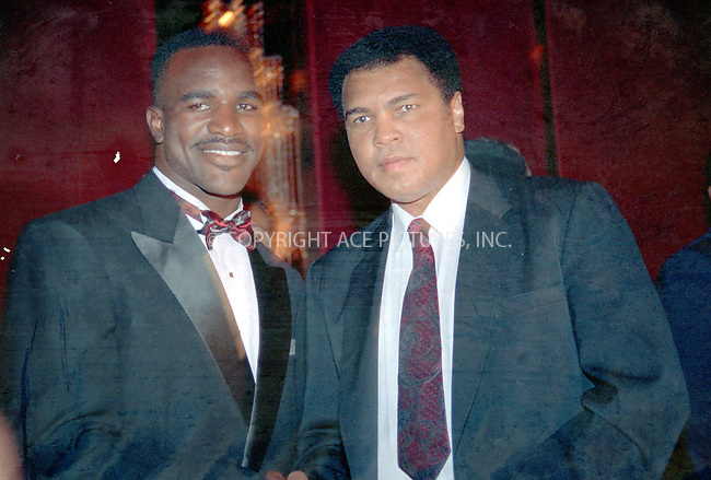 WWW.ACEPIXS.COM *** NO U.K. NEWSPAPERS SALES ***..NEW YORK, CIRCA 1995: EVANDER HOLLYFIELD, MUHAMMAD ALI....Please byline: R. BOCKLET-ACE PICTURES.   ..  ***  ..Ace Pictures, Inc:  ..contact: Alecsey Boldeskul (646) 267-6913 ..Philip Vaughan (646) 769-0430..e-mail: info@acepixs.com