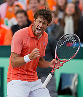 14-09-12, Netherlands, Amsterdam, Tennis, Daviscup Netherlands-Suiss, Robin Haase  pumps himself up but fals short in his match against Wawrinka