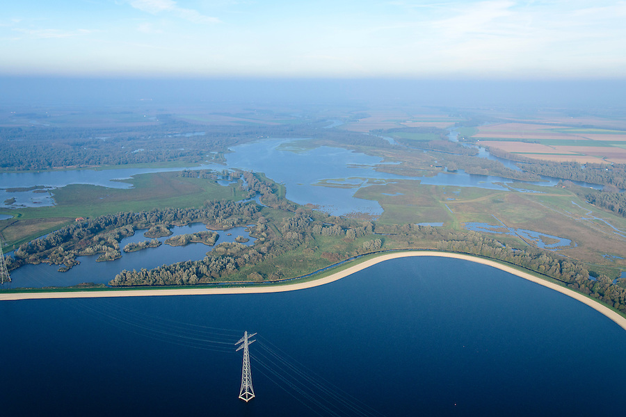 Nederland, Noord-Brabant, Biesbos, 28-10-2014; Nationale Park de Biesbosch, De Gijster. Spaarbekken voor de productie van drinkwater.<br /> Reservoir for the production of drinking water.<br /> luchtfoto (toeslag op standard tarieven);<br /> aerial photo (additional fee required);<br /> copyright foto/photo Siebe Swart