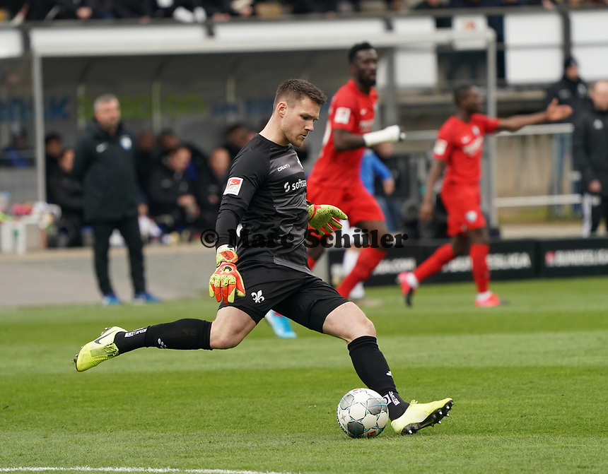 Torwart Marcel Schuhen (SV Darmstadt 98) - 07.03.2020: SV Darmstadt 98 vs. VfL Bochum, Stadion am Boellenfalltor, 2. Bundesliga<br /> <br /> DISCLAIMER: <br /> DFL regulations prohibit any use of photographs as image sequences and/or quasi-video.