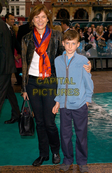 "FIONA BRUCE & SON.Arrivals - ""Harry Potter and the Order of the Phoenix"" European premiere, Odeon cinema, Leicester Square London, England, 3rd July 2007..full length red and blue scarf.CAP/CAN.©Can Nguyen/Capital Pictures"