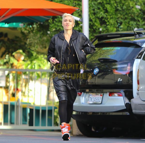 Burbank CA - Nov 19 Gwen Stefani  arriving at the Studio in Burbank California on November24, 2015 <br /> CAP/MPI99<br /> &copy;MPI99/Capital Pictures